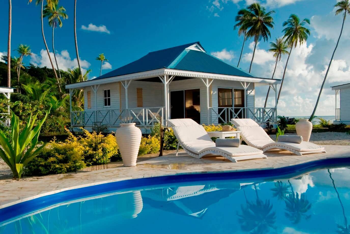 Opoa-Beach-Hotel-Raiatea-Bungalow