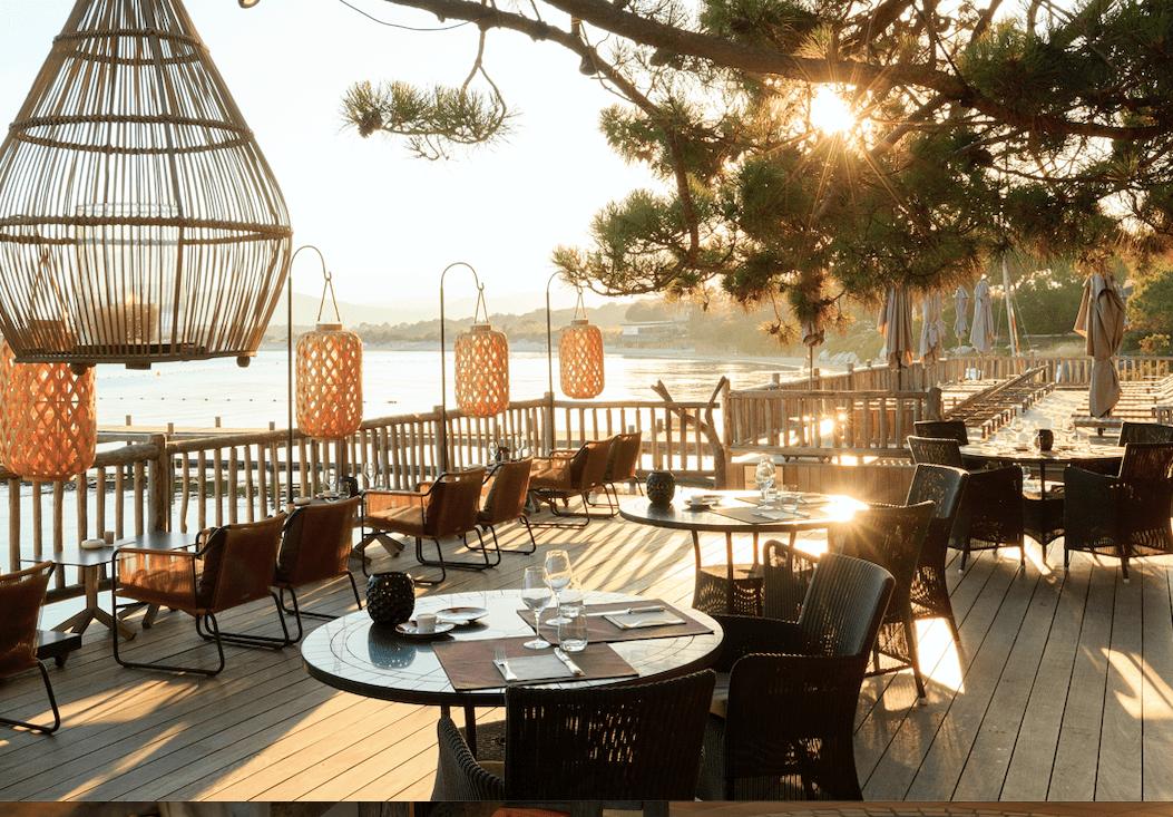 Cala Rossa - terrasse hôtel-min